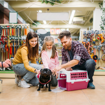 Family at pet store franchise